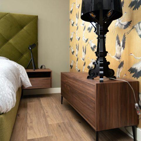 Slaapkamer met luxe bed
