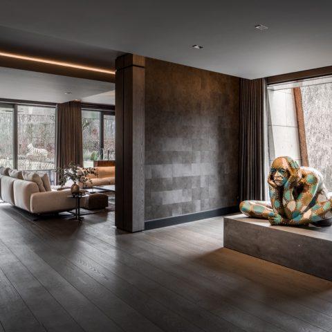 Luxe houten vloer in villa