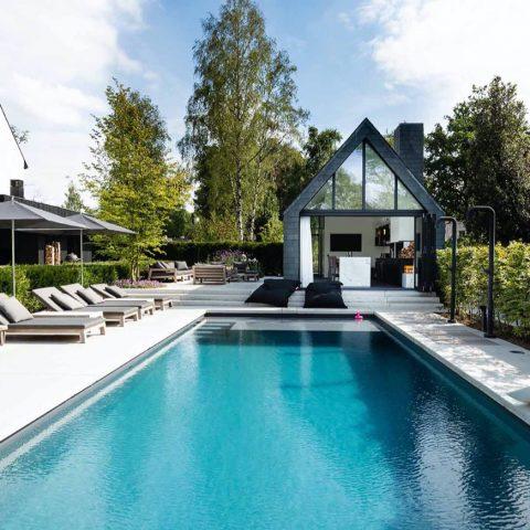Oisterwijk tuin met zwembad en poolhouse