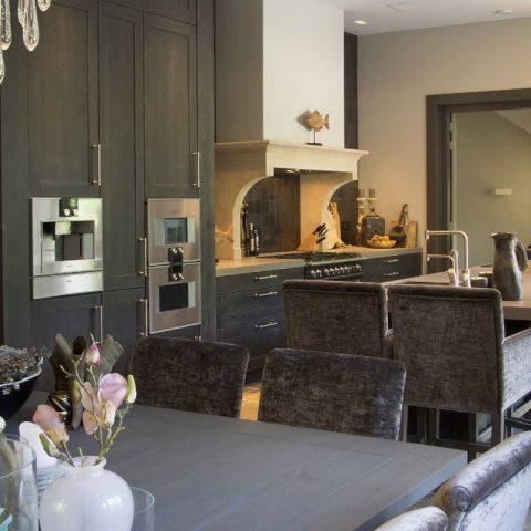 Eikenhouten keuken: donker eiken