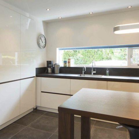 Moderne keukens: de witte keuken