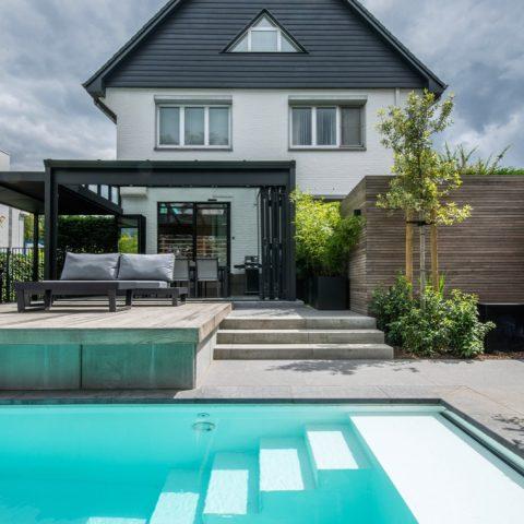 Exclusieve stadstuin met zwembad in Hasselt