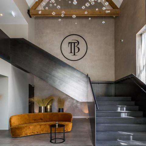 Stalen trap voor hotel Cadzand