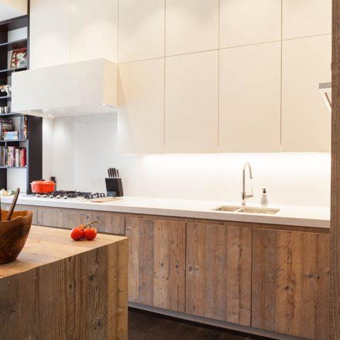 Keuken van steigerhout