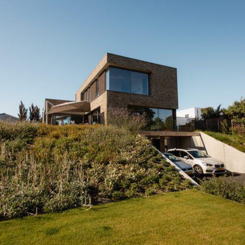 Moderne villa passend in duinlandschap in Den Haag