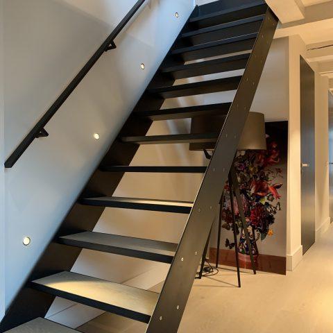 Luxe staaldesign in woonhuis