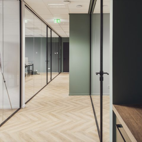Glazen kantoorwanden in Dronten