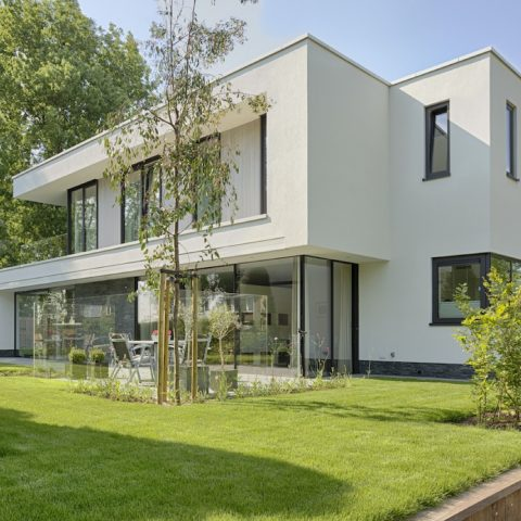 Villa met Sky-Frame puien en Schüco kozijnen