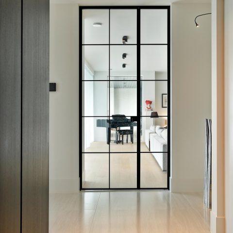 Exclusieve binnendeuren en z-trap project Knokke