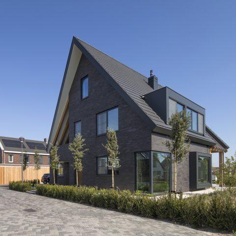 Strak vormgegeven villa