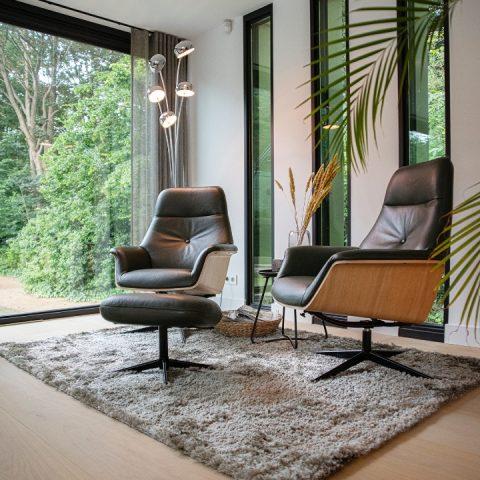 Extra brede planken in moderne villa